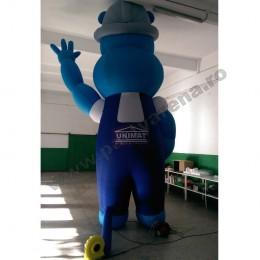 mascota-albastra-hipopotam-2