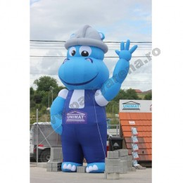 mascota-albastra-hipopotam-3