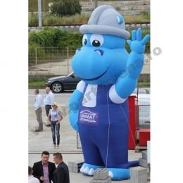 mascota-albastra-hipopotam-4